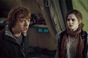 Rupert Grint y Emma Watson en 'Harry Potter y las Reliquias de la Muerte - Parte 1'