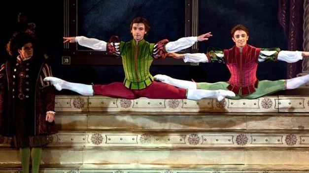 Black-Swan-Corella-Ballet-Valladolid
