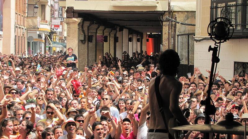 Sidonie_Festival_Sonorama_2012_Plaza_del_Trigo_Aranda_de_Duero_(Burgos)7 (1)
