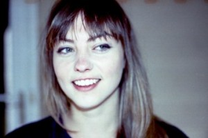 1600_1_angelOlsen_2014web-2