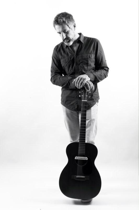 Pepe Solla a la guitarra