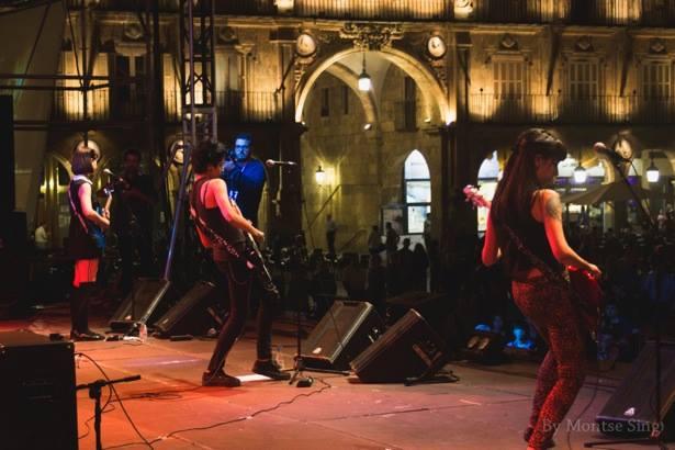 Estrogenuinas en la Plaza Mayor de Salamanca (Fiestas 2014) | Foto: Montse Sing