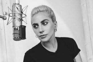 lady gaga five foot two documental netflix