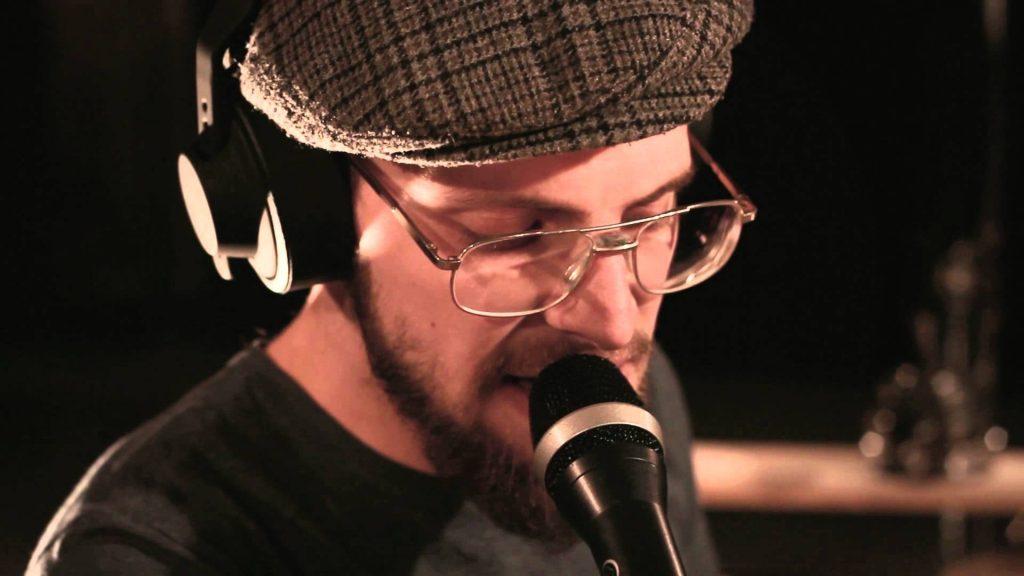 """El multi-instrumentista electrónico Binkbeats visita España para presentar su EP debut """"Private Matter Previously Unavailable Part 1""""."""