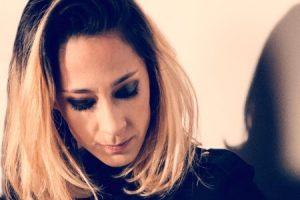 Julia Martín, batería y responsable artística de Rufus T. Firefly, expone en Café La Palma
