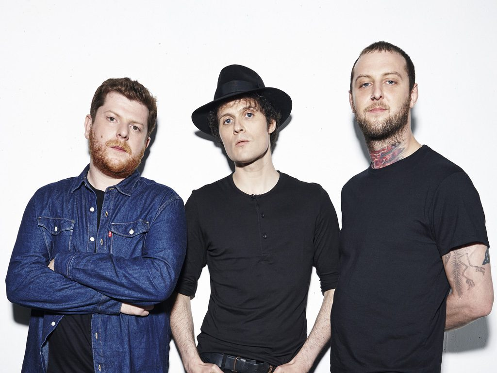 "The fratellis estrenan vídeo para ""Starcrossed Losers"", single adelanto de ""In your own sweet time"""