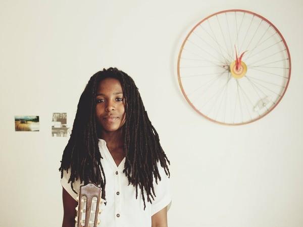 Aisha Burns anuncia un nuevo álbum llamado 'Argonauta'