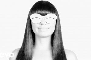 Javiera Mena anuncia fecha de salida de su próximo álbum y segundo single