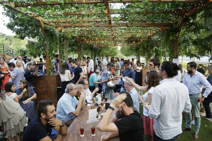Paulaner Biergarten Se Establece En Verano En Madrid Río Con