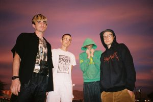 Diiv dejan video para 'The Spark'