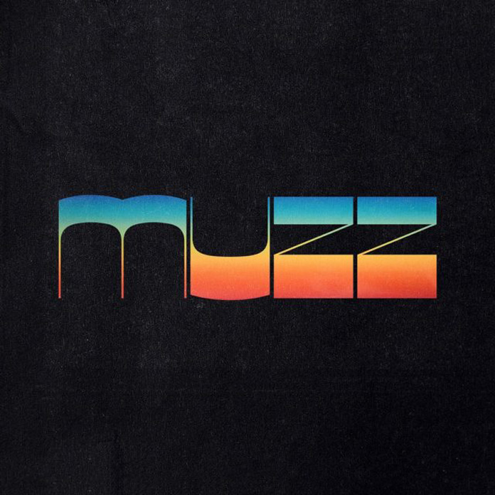 MUZZ, con Paul Banks al frente, presentan 'Bad Feelings'
