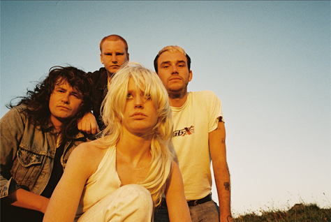 amyl-and-the-sniffers-2021-comfort-to-me